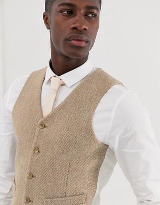 Asos Design DESIGN wedding slim suit vest in 100% wool Harris Tweed in camel-Beige