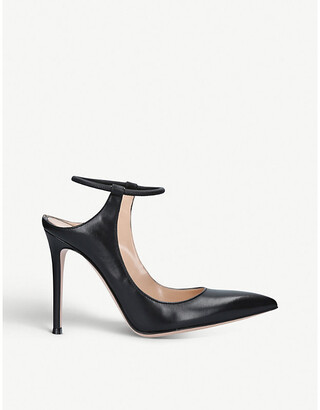 Fendi Karen pointed-toe leather courts