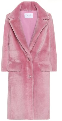 Common Leisure Shearling coat
