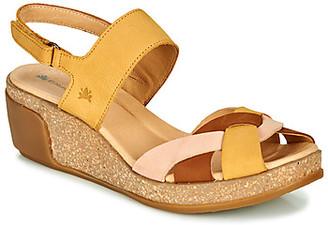 El Naturalista LEAVES women's Sandals in Yellow