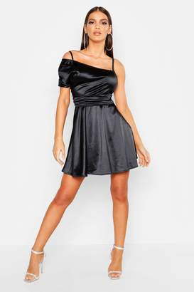 boohoo One Shoulder Pleat Detail Skater Dress
