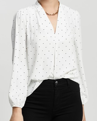 Dp Petite Pin Spot V-Neck Vienna Top