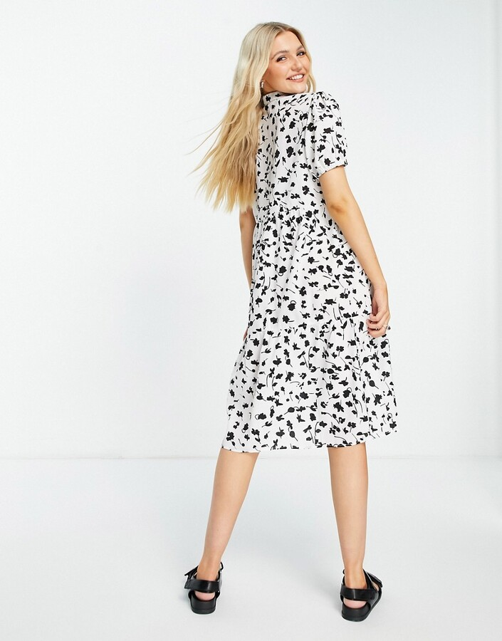 Thumbnail for your product : Qed London shadow floral shirt midi dress in monochrome