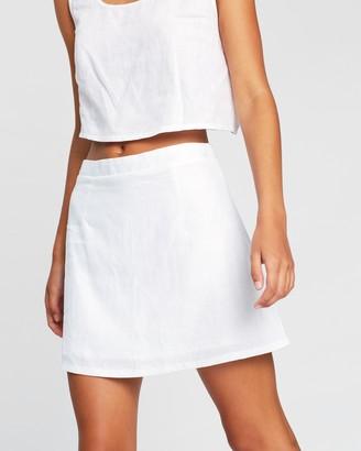 Dazie Capri Linen Mini Skirt
