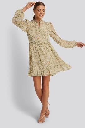 NA-KD Long Sleeve Floral printed Dress