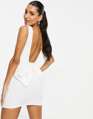 I SAW IT FIRST scuba plunge bow back bodycon dress in white