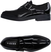 Pieces Loafers