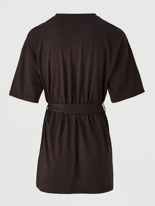 Missguided MissguidedOversized Short Sleeve Belted T-Shirt Dress - Black