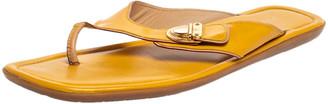 Louis Vuitton Yellow Patent Leather Pushlock Detail Thong Flats Size 41