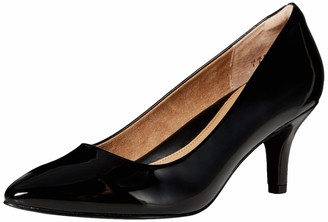Amazon Essentials Round Toe Medium Heel Pump