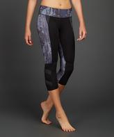 Zobha Earthly Contrast-Panel Capri Leggings