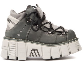 New Rock Metallic Shoes In Suede Cement Color