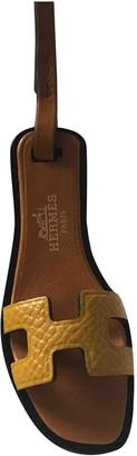 Hermã ̈S HermAs Oran Nano Charm Yellow Leather Bag charms