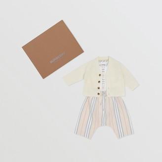 Burberry Childrens Icon Stripe Cotton Three-piece Baby Gift Set