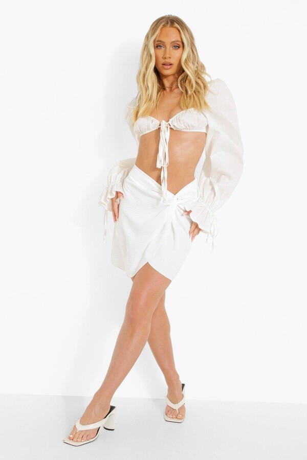 Thumbnail for your product : boohoo Twist Side Textured Woven Mini Skirt