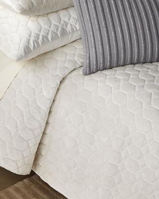 Callisto Home Honeycomb King Quilt
