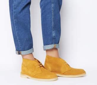 Clarks Desert Boots Tumeric Suede