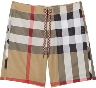 Burberry Sea clothing