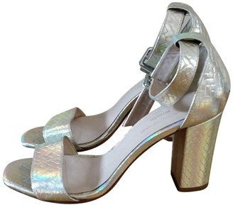 Anne Valerie Hash Silver Patent leather Sandals