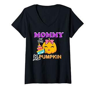Womens Mommy of the Lil girl Pumpkin Matching birthday gift for mom V-Neck T-Shirt