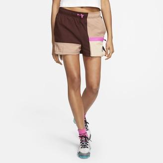 Nike Women's Shorts Sportswear Icon Clash