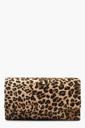 boohoo Structured Leopard Envelope Clutch Bag & Chain
