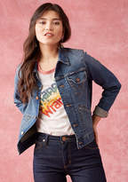 LMPJ70D This denim jacket does total justice to a laid-back look! Perfectly pocketed and crafted for comfort, this mid-wash garment - created as part of a ModCloth-exclusive collaboration with Wrangler - offers classic style to any outfit you grace with its prese