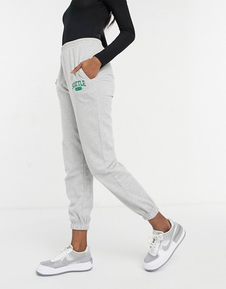 New Look seattle logo cuffed jogger in mid grey