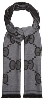Gucci Fringed Gg-jacquard Wool Scarf - Mens - Grey