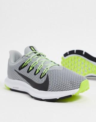 Nike Running Quest 2 sneaker in grey