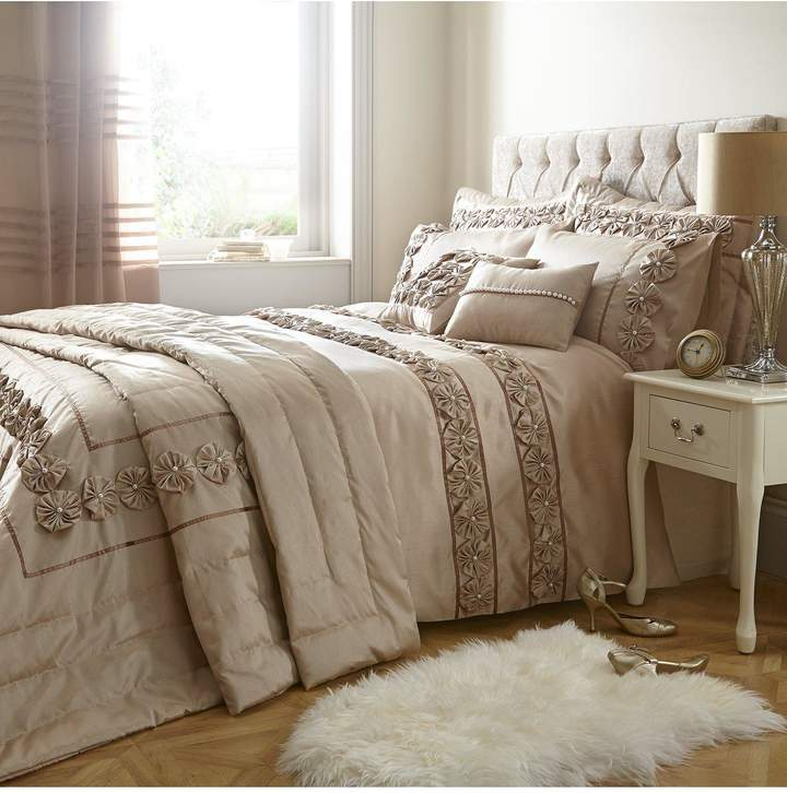 Very Franchesca Bedding Range - Champagne