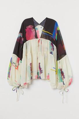 H&M Wide-cut Chiffon Blouse