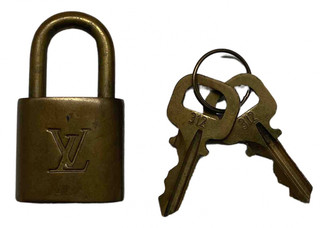 Louis Vuitton Cadenas Brown Metal Bag charms