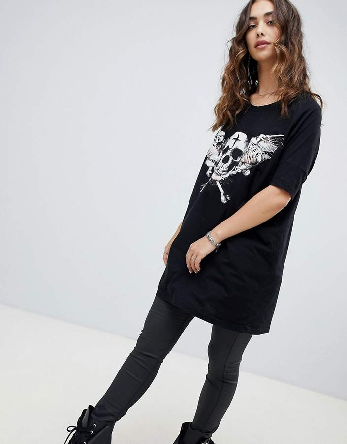 Religion drapey t-shirt with skull graphic