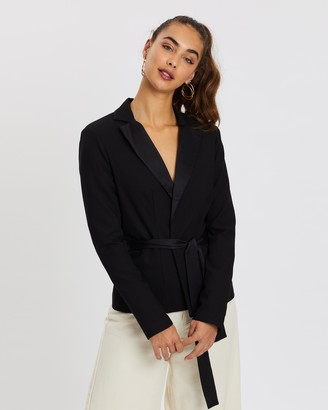 Missguided Black Friday Belted Fitted Blazer