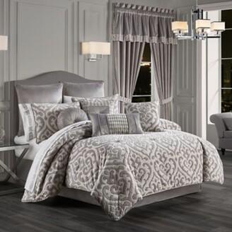 J Queen New York Belvedere 4-Piece Queen Comforter Set in Silver