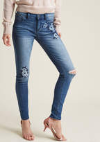 ModCloth Stitch I May Embroidered Skinny Jeans in 9 - Skinny Denim Pant