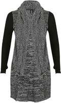 Izabel London **Izabel London Black and White Knit Top
