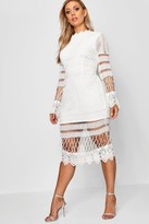 boohoo Plus Lace Panelled Midi Dress