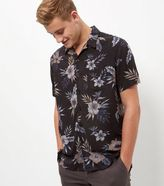 New Look Black Floral Print Single Pocket Short Sleeve Shirt