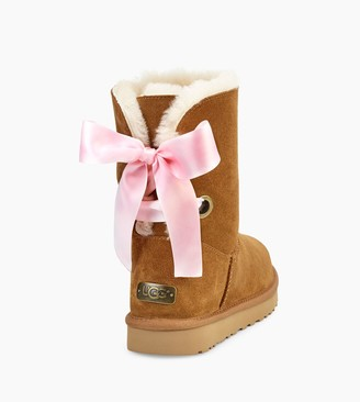 UGG Short Bailey Bow Satin Ribbon