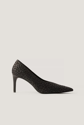 NA-KD Pointy V-Cut Pumps