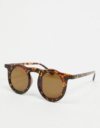 A. J. Morgan AJ Morgan round sunglasses in tortoiseshell