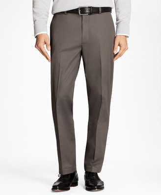 Brooks Brothers Clark Fit Lightweight Stretch Advantage Chino Pants