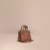 Burberry The Baby Banner in Leather and House Check, Brown