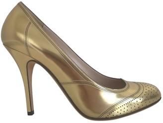 Fendi \N Gold Patent leather Heels