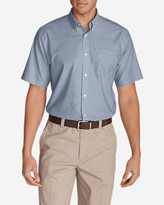 Eddie Bauer Men's Wrinkle-Free Relaxed Fit Short-Sleeve Oxford Cloth Shirt - Solid