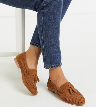 ASOS DESIGN Wide Fit Marble suede weave flat shoes in tan