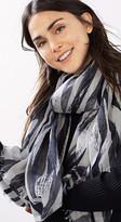 Esprit Wide scarf w a zebra print