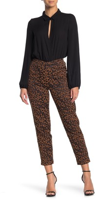 Hue Leopard Print Jacquard Crop Leggings